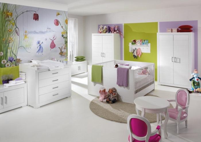 белые стены в детской