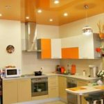 Какие натяжные потолки лучше для кухни: пвх или тканевые, глянцевые или матовые