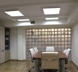 Плоские потолочные светильники в интерьере