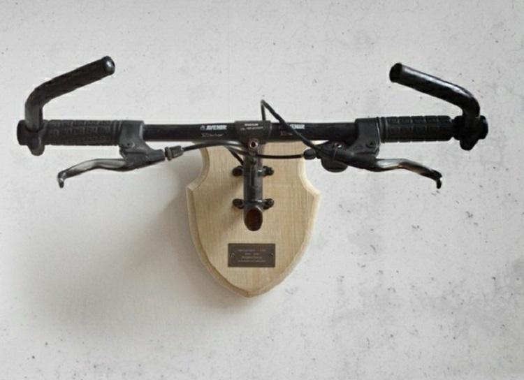 вешалка из велосипеда